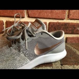 9d8e396e747a9 Women s Nike Flex Gray With Rose Gold